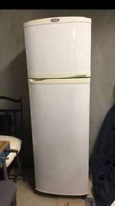 Can deliver, Whirlpool 270 liter fridge in very good condition Parramatta Parramatta Area Preview