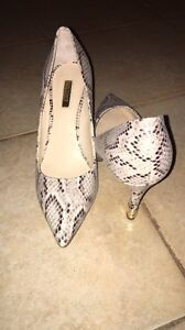 Brand new guess heels worn once