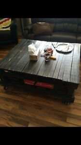 *** hand made pallet coffee table*** Strathcona County Edmonton Area image 1