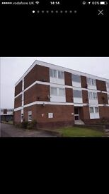 LARGE 2 BED FLAT - EMPTY NOW READY TO MOVE IN!