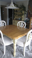 Expandable Dining Table with 6 chairs