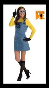 Minion halloween costumes - dad, mom and baby