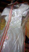 Wedding gown white 9/10 new $60