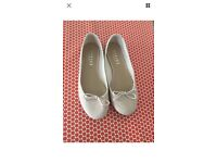 Nude pink OFFICE ballet flats size 6