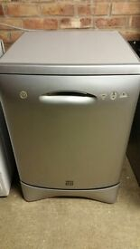 Zanussi IzzI silver dishwasher, good condition, fully working, can deliver.
