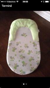 Support coussiné de luxe pour laver bébé