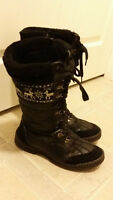 Hot Paws Women Winter / Snow Boots - size 9