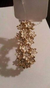 Forever New Golden Flower Braclet Dianella Stirling Area Preview