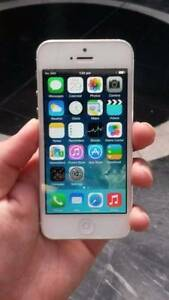 Excellent Condition iPhone 5 16gb White with Charge Cable Tax Inv Surfers Paradise Gold Coast City Preview