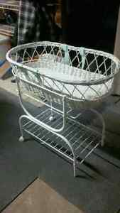 Vintage Look Moses style bassinet with Eyelet Bedding London Ontario image 1