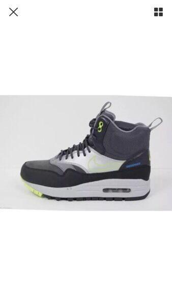 Size 5 brand new Nike air max winter waterproof