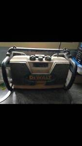 Dewalt Worksite Radio. works perfectly. built Tough to last. Tootgarook Mornington Peninsula Preview