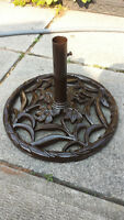 IRON PATIO UMBRELLA BASE