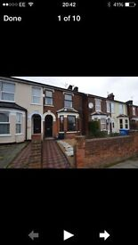 Double room to rent in beautiful Victorian house.