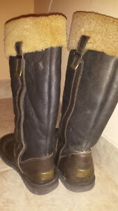 Ugg Chocolate Brown Locarno Boots! Size 7