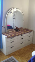 Good condition bed room set