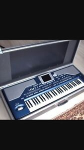 Korg pa800 with case