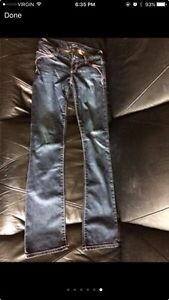 Woman's guess jeans