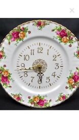 Old country rose wall clock