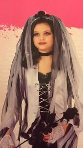 Girls skeleton bride costume worn only for a few hrs. $15 Kitchener / Waterloo Kitchener Area image 1