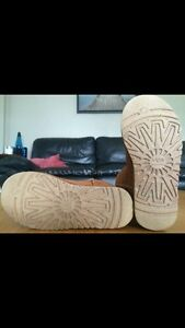 Tall Bailey Button Ugg Boots sz 6 Kitchener / Waterloo Kitchener Area image 5