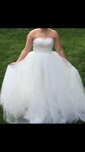 Wedding dress for sale - BRAND NEW NEVER WORN!  Cambridge Kitchener Area image 4