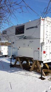 2013 Northern Lite Truck Camper Series 8'11 QCSE