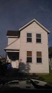 call Easy.s for all our exterior painting needs( free Estimates) Windsor Region Ontario image 2