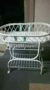 Vintage Look Moses style bassinet with Eyelet Bedding London Ontario image 2