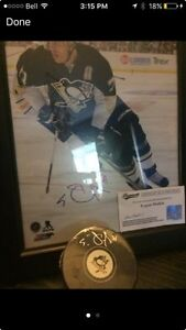 Signed evgeni Malkin picture and puck