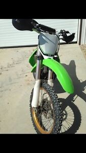 2007 Kawasaki kx 250 two stroke. Low hours
