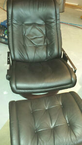 Vinyl & Leather repair and re-dyeing Kingston Kingston Area image 5