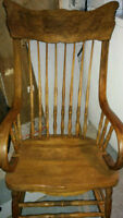 Antique Rocking Chair/Chaise Bercante Antiquite