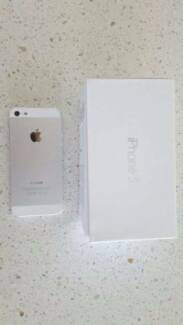 Iphone 5 - White - 16GB Cleveland Redland Area Preview