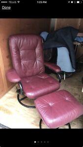 Leather Recliner & Ottoman  Peterborough Peterborough Area image 2