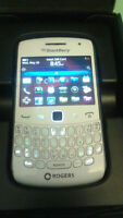 Unlocked Blackberry curve 9360 for sale, comes with box