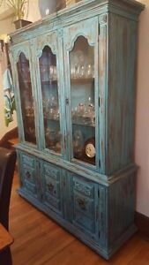 Beautiful China Cabinet  West Island Greater Montréal image 2