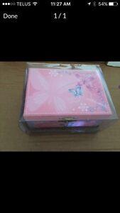 BRAND NEW PRETTY GIRLS JEWELLERY MUSIC BOX