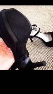 Beautiful high heels!!  Worn for two hours! London Ontario image 3