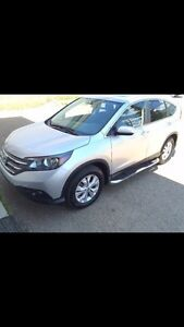 Honda CR-V 2014 Touring with low kilometers!