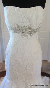 Beautiful Allure Wedding Gown (size 6) MUST SELL QUICKLY Regina Regina Area image 1