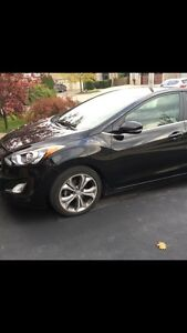 2013 Hyundai Elantra gt se with tech package and bonuses