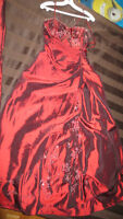 """robe bal couleur """"rouge vin"""" taille 10-12"""