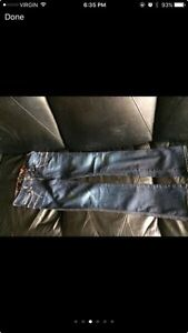 Woman's guess jeans St. John's Newfoundland image 4