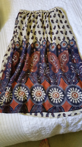 Ladies cute midi skirt from Boohoo   **NEW** Has scattered sequin Berkeley Vale Wyong Area Preview