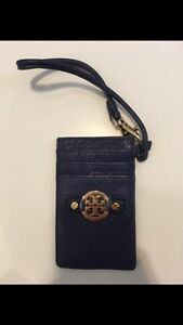 Tory Burch - Amanda Card Wristlet - brand new Kitchener / Waterloo Kitchener Area image 1