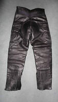 BLACK LEATHER PADDED BIKERS RIDDING PANTS