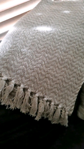 Gorgeous 'Tree of life' cotton tassel throw *As New*  Approx 180c