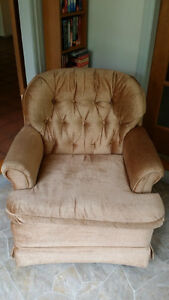 Beige loveseat and swivel chair Comox / Courtenay / Cumberland Comox Valley Area image 3