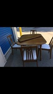 Solid wood kitchen/ dining set  London Ontario image 4